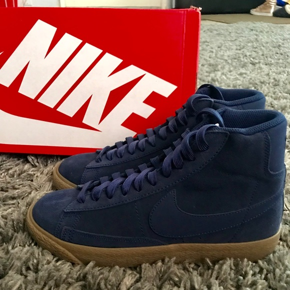New Nike Blazer Mid Size 6.5 Youth/Men